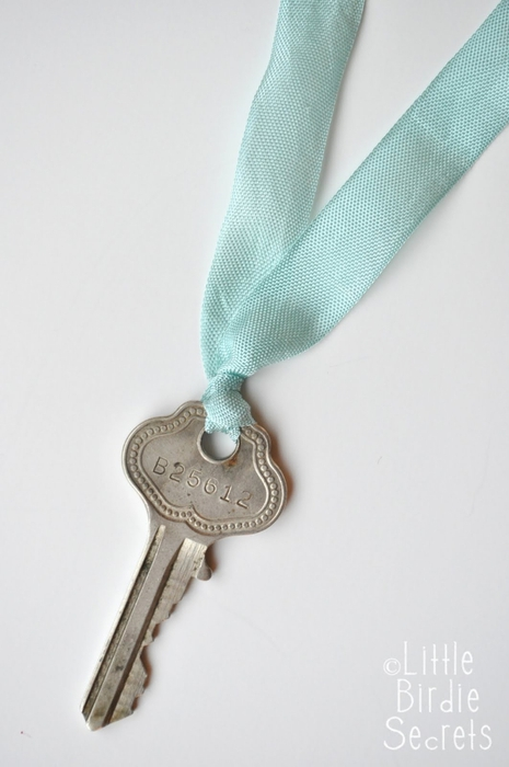 antique key seam binding necklace tutorial (465x700, 142Kb)