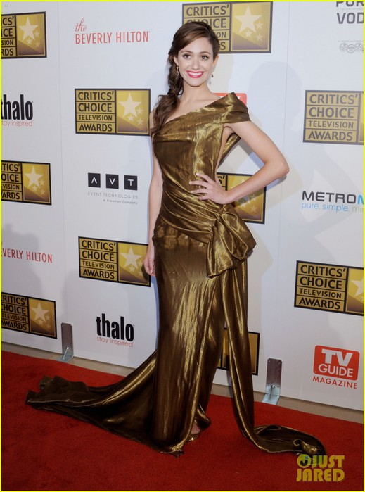 christina-hendricks-emmy-rossum-critics-choice-tv-awards-07 (519x700, 92Kb)