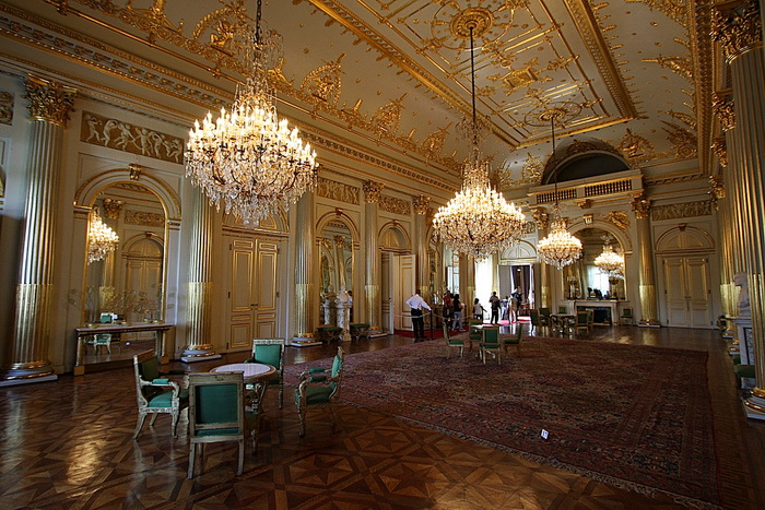 palais royal Palais royale ballroom with its rich history and 1920s glamour and charm, the 8,800-square-foot palais royale ballroom is sure to dazzle you from the polished.