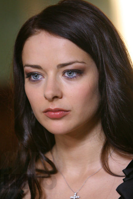 Марина Александрова В Купальнике – Правда Скрывает Ложь (2009)