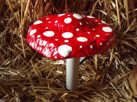 medium concrete mushroom (448x336, 47Kb)