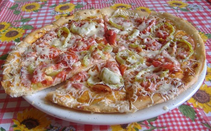 pizza upeДЌenГЎ nakrГЎj. (700x434, 298Kb)