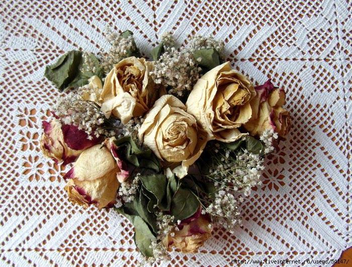 Цвету, сухие розы в открытках