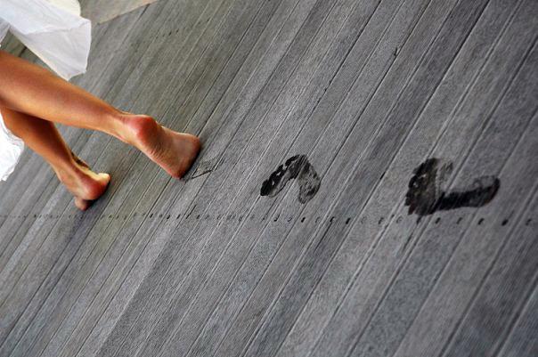 Чтобы на ламинате не оставались следы от ног