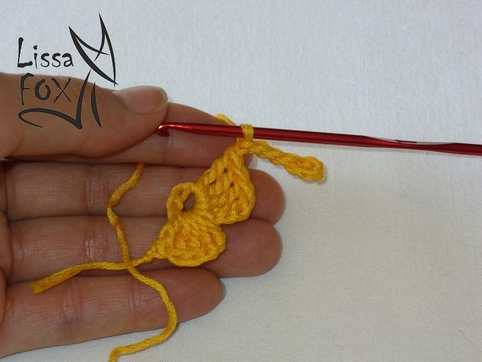 вязание цветочка крючком из ириса 4 лепестка