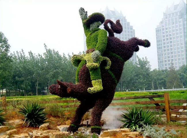 amazing-topiary-art-04 (650x482, 134Kb)