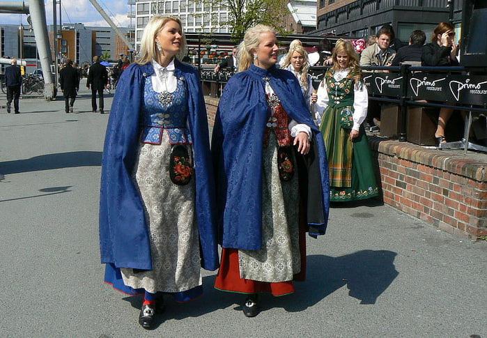 Janine lindemulder and jenna jameson