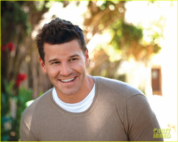 david-boreanaz-da-man-magazine-feature-03 (700x555, 72Kb)
