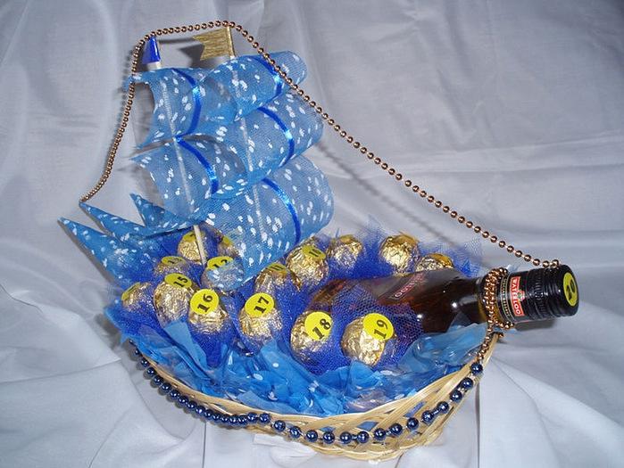 композиции из бутылок и конфет фото все знают