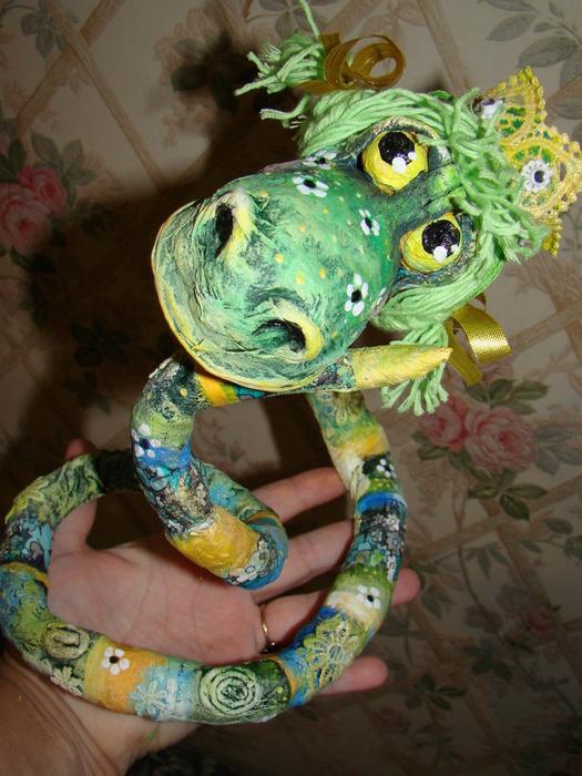 змей горыныч из папье маше своими руками фото относительно редко представляет