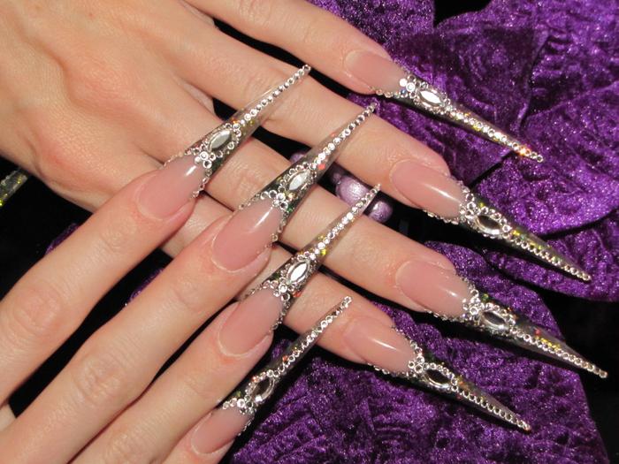 Дизайн ногтей фото снежинки на ногтях девочка