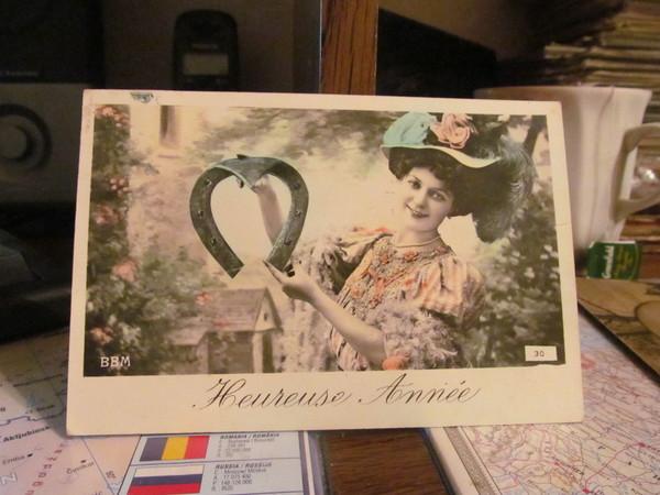 Сколько стоят старые открытки цена