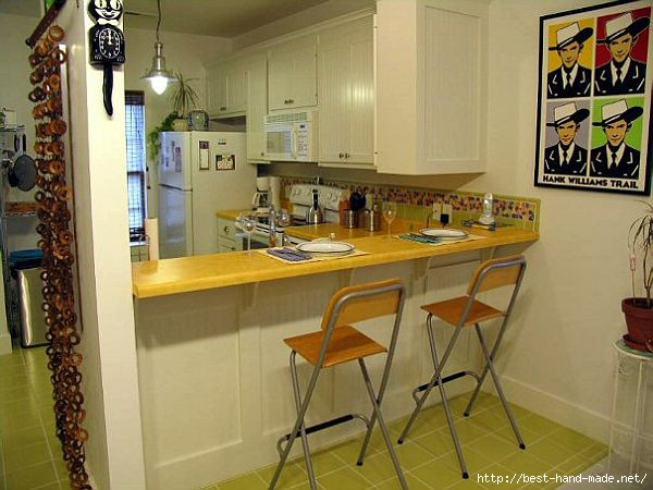 small-kitchen-with-bar-yellow (600x450, 147Kb)