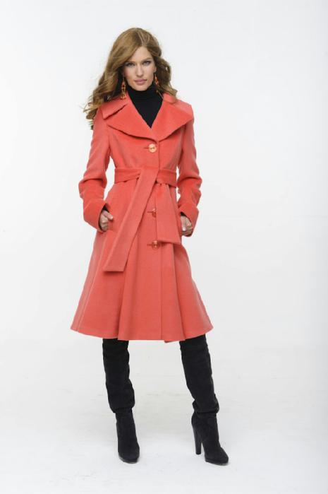 Фасоны пальто для беременных имеют специальный крой, предусматривающий.