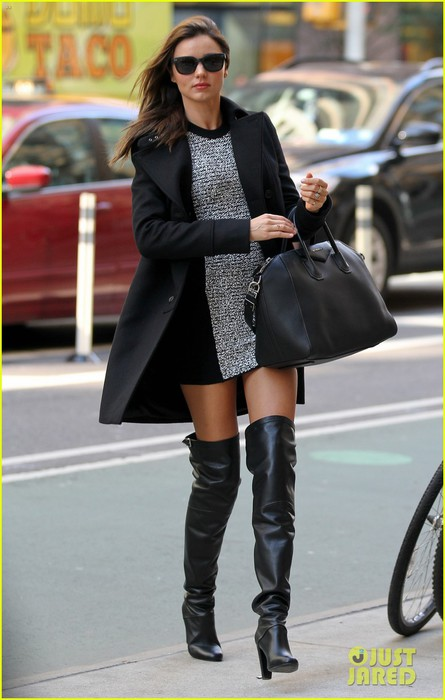 miranda-kerr-monday-morning-in-manhattan-01 (445x700, 71Kb)