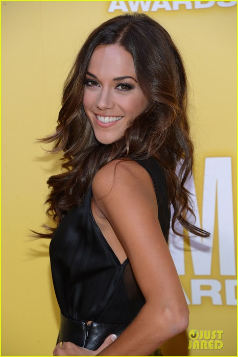 jana-kramer-shawn-johnson-cmas-2012-02 (466x700, 63Kb)