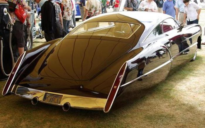 Фото: Cadillac Sedanette Cadzilla 1948 года