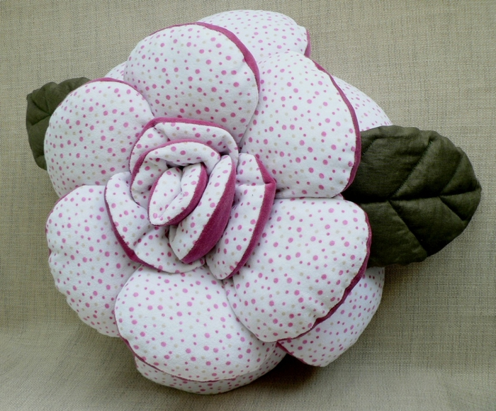 pillow_rose_2sides_2fabrics_01 (700x580, 336Kb)