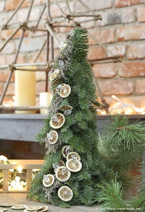 Outdoor-Christmas-Decorations-with-colorful-accesories-photos-011 (479x700, 323Kb)