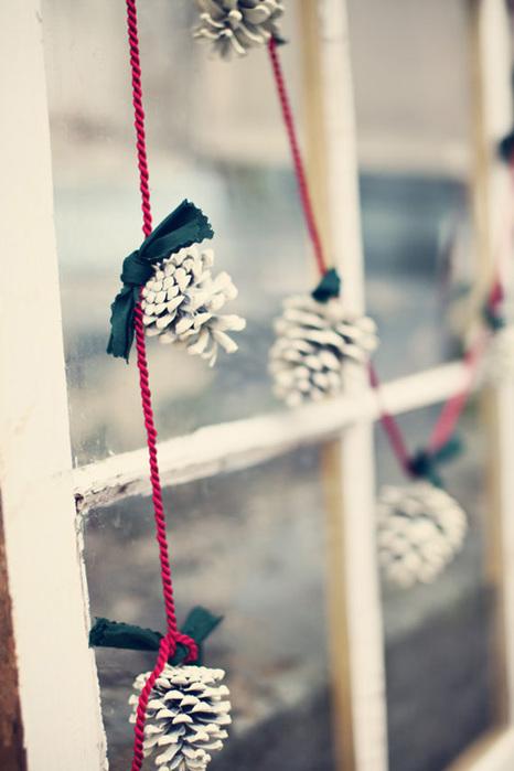 decora en navidad con piñas White Pinecone Garland via tuckandbonte etsyshop (466x700, 89Kb)