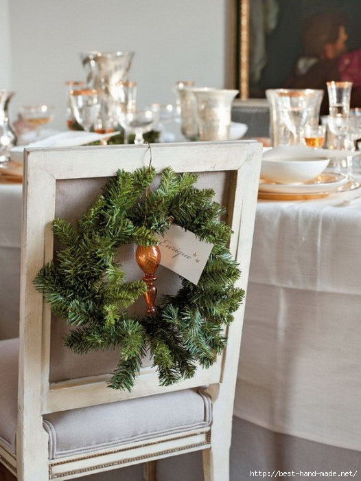 Christmas-Wreath-for-Dining-Room-Chairs (526x700, 196Kb)