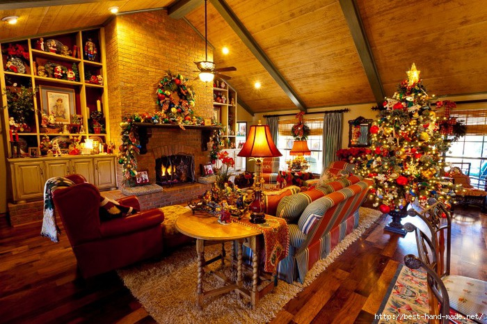Colorful-Christmas-living-room-design-790x526 (700x466, 305Kb)