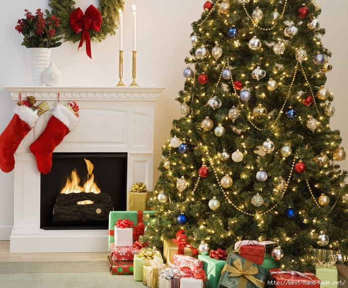 Cozy-living-room-with-decorated-Christmas-tree (700x578, 371Kb)