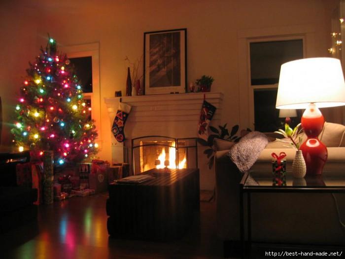 christmas-living-room-christmas-decorating-for-a-living-room-70387-900x675 (700x525, 151Kb)