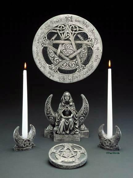 http://img0.liveinternet.ru/images/attach/c/7/95/657/95657750_Altar.jpg