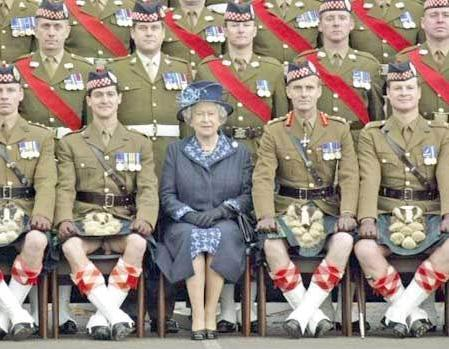 1358478266_the_kilt_youthFOTOSHOP__annakubryakovalivejournalcom_17616html___Queen (449x349, 39Kb)
