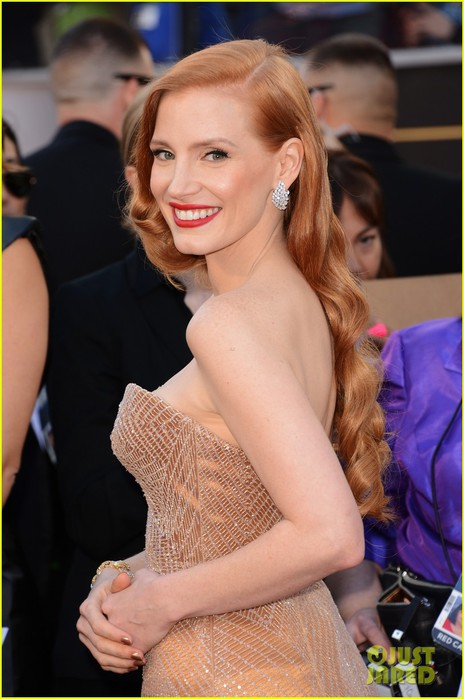 jessica-chastain-oscars-2013-red-carpet-07 (464x700, 77Kb)