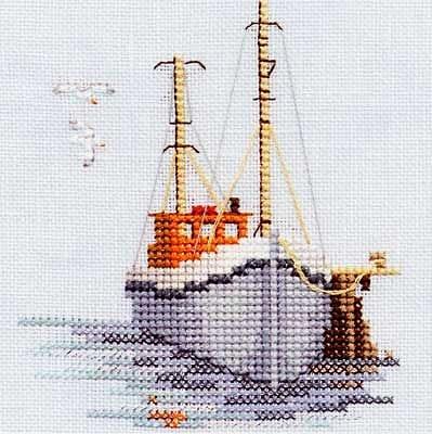 Вышивка лодка в море 805