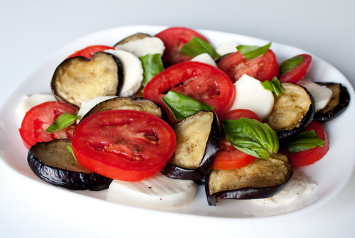 3352215_eggplanttomatosalad (500x335, 79Kb)