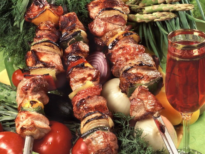 1284825740_food_meat_and_barbecue_wine_shashlik_012319_ (700x525, 149Kb)