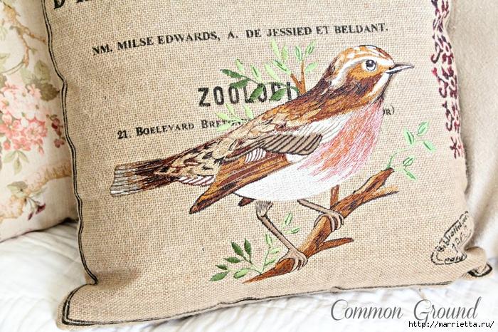 вышивка гладью на мешковине. подушки с птичками и бабочками (6) (700x466, 378Kb)