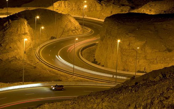 1305711725_the-jebel-hafeet-mountain-road-2 (580x365, 85Kb)