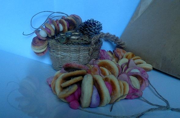печеньковые бусы в подарок маме (589x389, 91Kb)