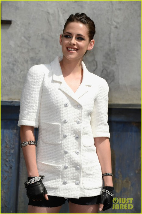 kristen-stewart-chanel-paris-fashion-show-03 (466x700, 71Kb)