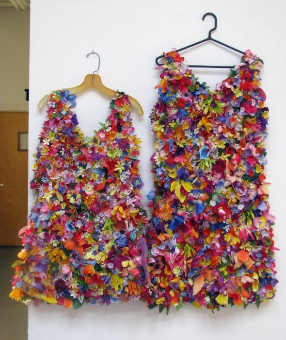 платье из искусственных цветов