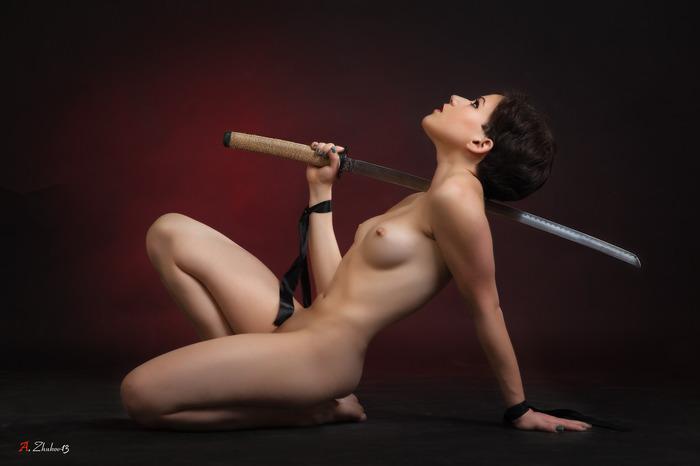 пол мочалку порно с холодным оружием жена удовольствием надевает