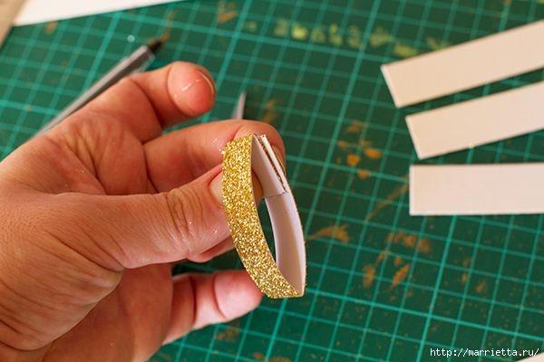 Рождественские звезды из декоративной металлизированной бумаги (3) (600x400, 119Kb)