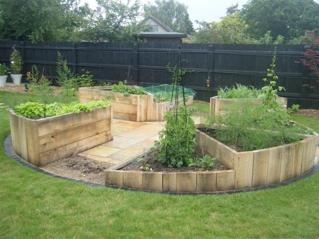 4760406_jane_raised_garden_beds_july_2012 (640x480, 153Kb)