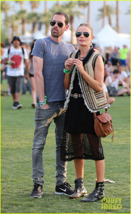 kate-bosworth-michael-polish-topshop-twosome-at-coachella-09 (427x700, 90Kb)