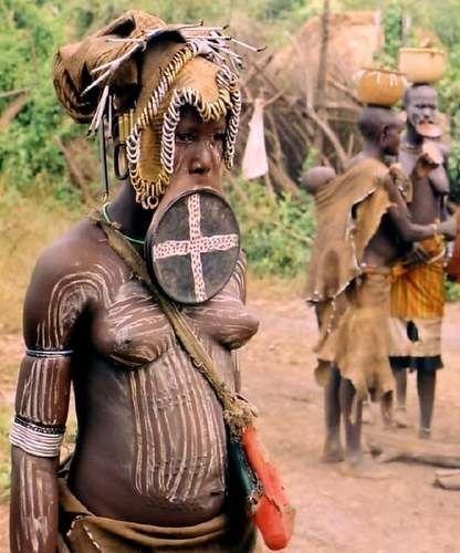 Иностранцы ебут женщин из племени думаю