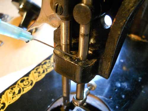 Как отремонтировать бабушкину швейную машинку