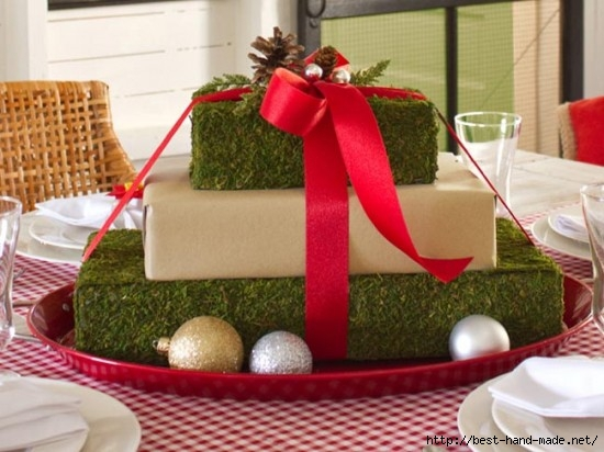 Gift-Box-Centerpiece-Simple-but-Spectacular-Christmas-Dining-room-Decorating-Ideas-550x412 (550x412, 145Kb)