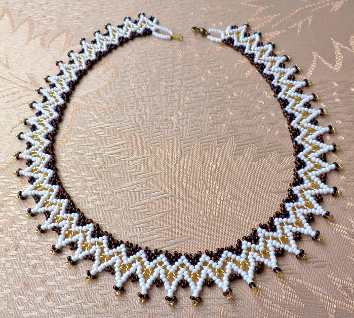 free-bead-necklace-tutorial-1 (700x627, 243Kb)