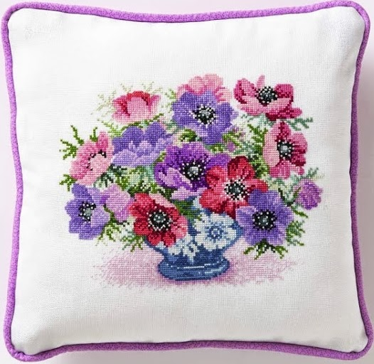 csc218.anemone.flowercushion (526x512, 92Kb)