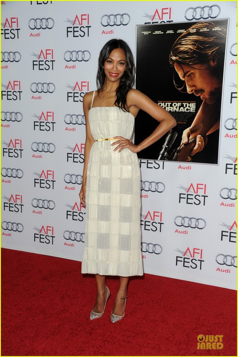 zoe-saldana-out-of-the-furnace-hollywood-screening-07 (466x700, 94Kb)
