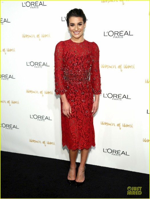 lea-michele-red-hot-at-loreal-paris-women-of-worth-01 (526x700, 68Kb)